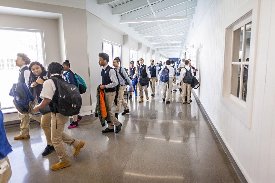 KCH KIPPsters walk through a hall at KCH.